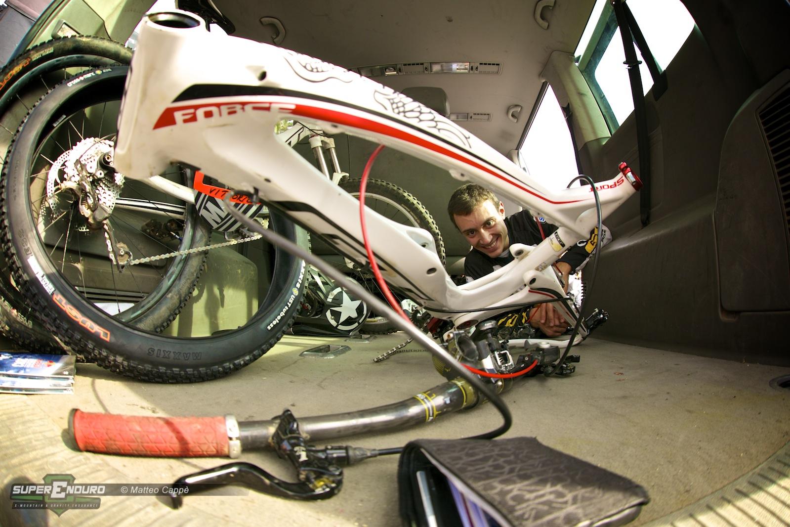 Vittorio Gambirasio e la sua GT da preparare per il duro weekend di gara