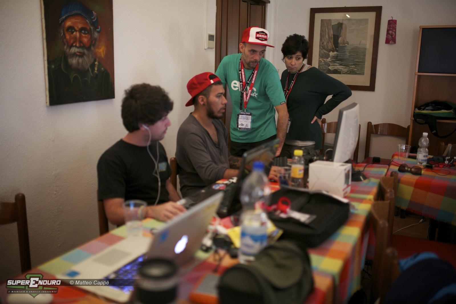 Press room: il team Rock in The Middle immerso nel gran lavoro video e organizzativo di questo evento