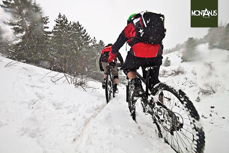 Nella neve più fitta, circondato dal silenzio, Montanus vive e condivide