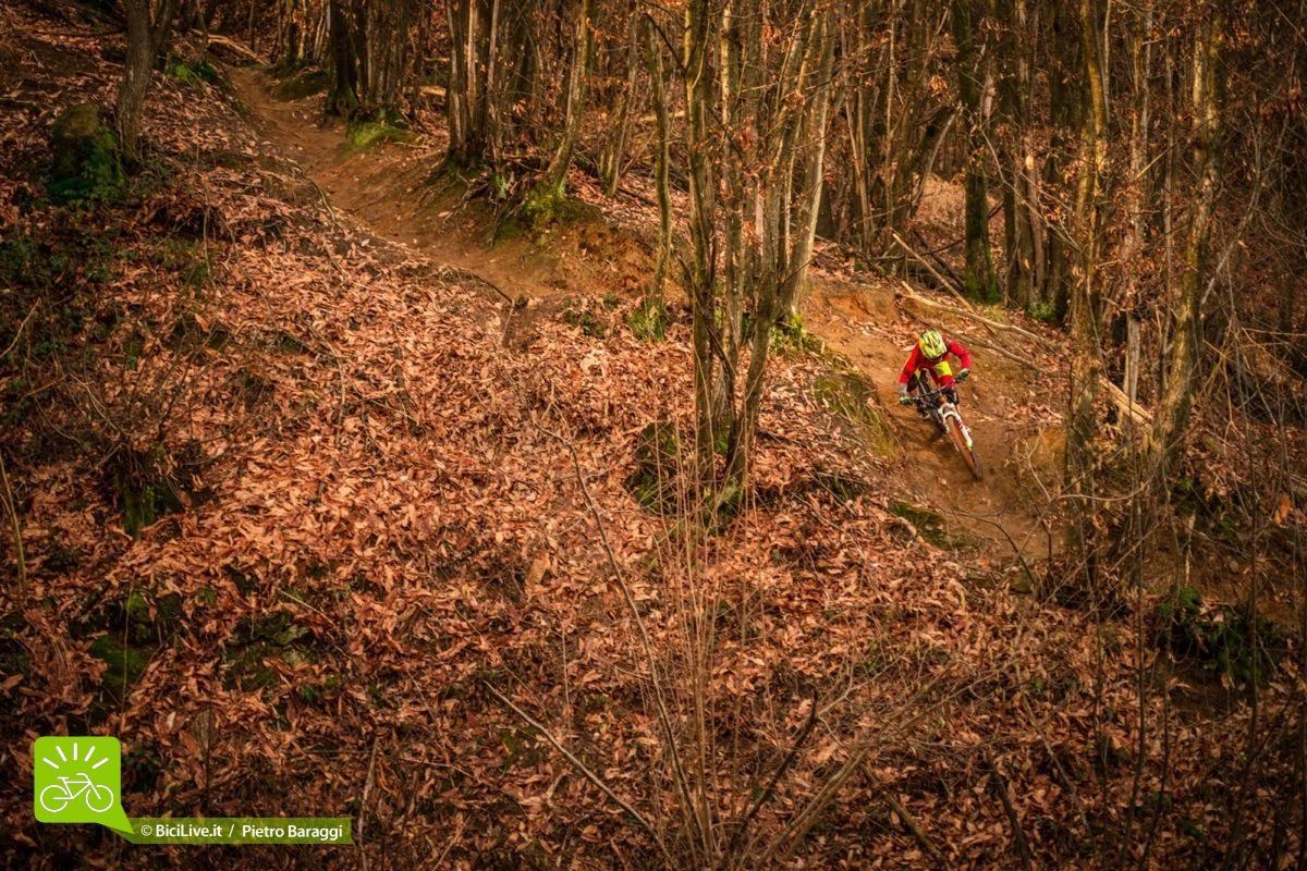 I panorami non saranno sicuramente quelli che ci sono in alta montagna o sui trail liguri, ma il divertimento è alle stelle.