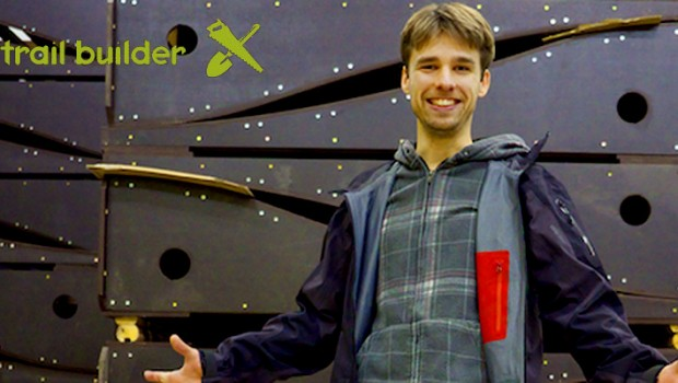 Erik-con-la-sua-pump-track-modulare-ripiegata_Photo-Credit-IMBA-Trail-Solutions-620x350