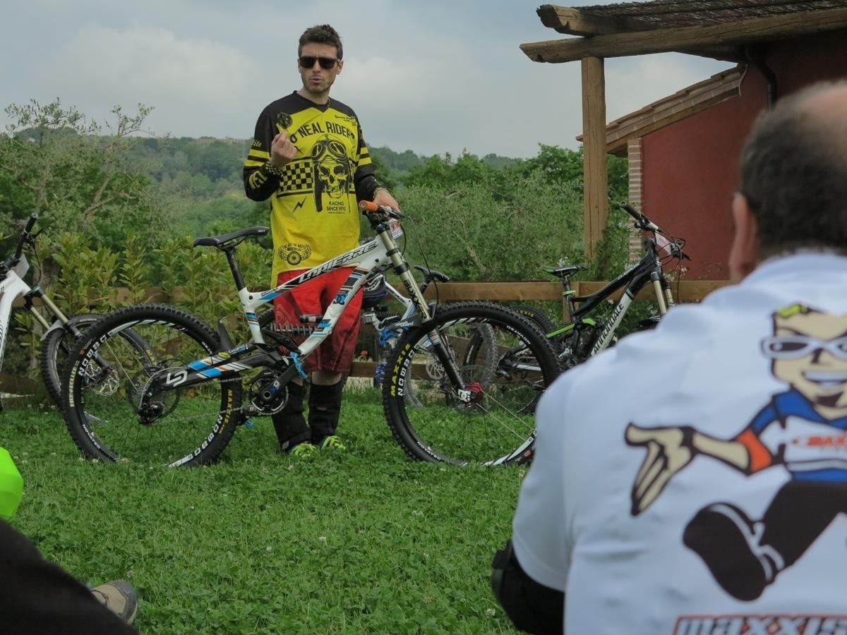 Dopo il controllo bici, un'esaustiva lezione su come impostare la propria mountainbike e tutti i perché di ogni scelta