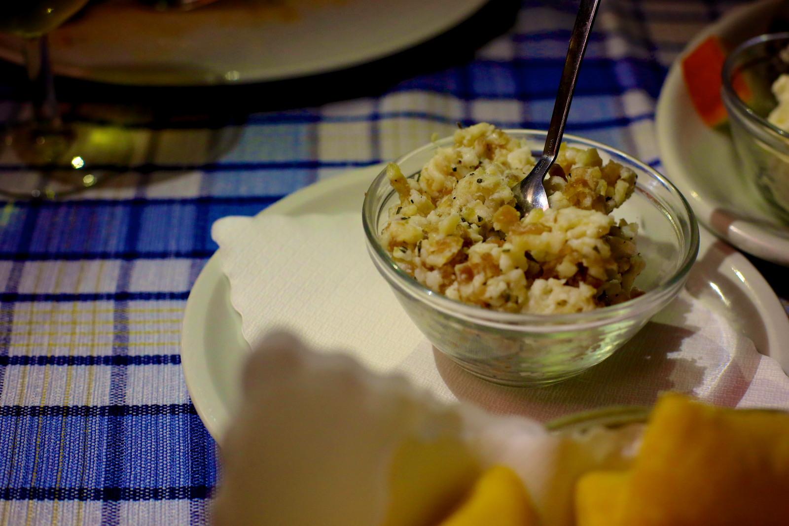 Il pesto modenese: lardo tritato, rosmarino e aglio!