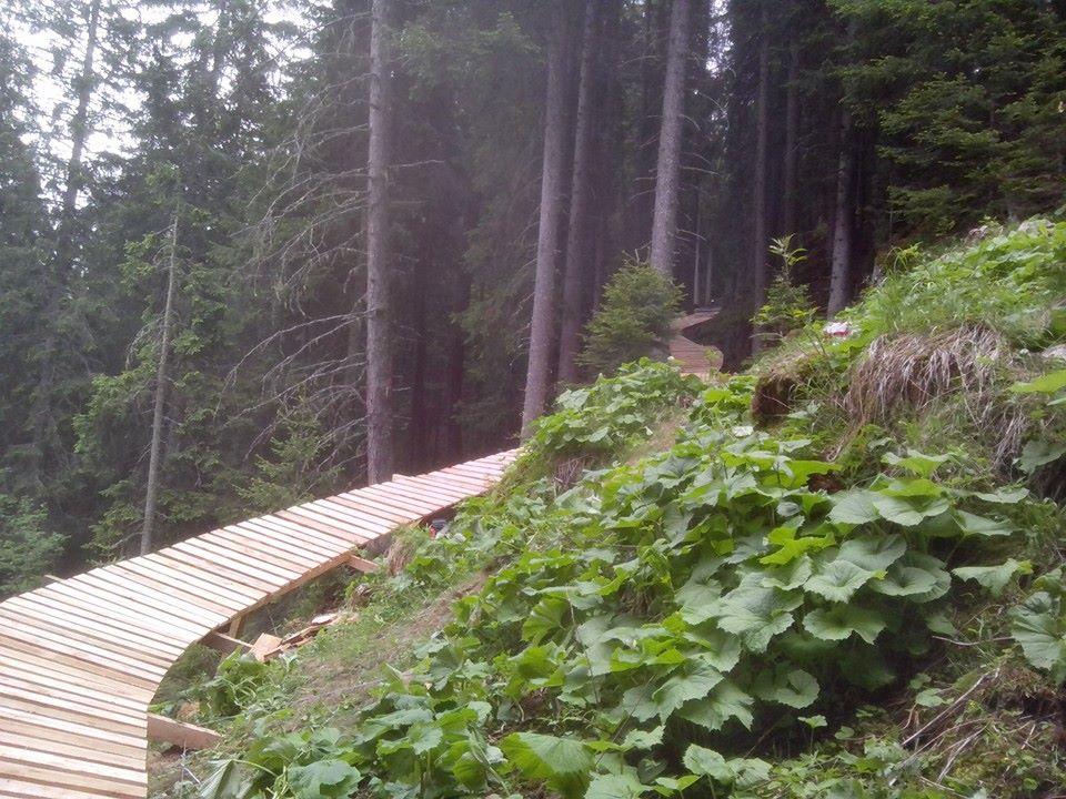 Una-parte-del-north-shore-lungo-70mt-a-Selva-Val-Gardena1.jpg