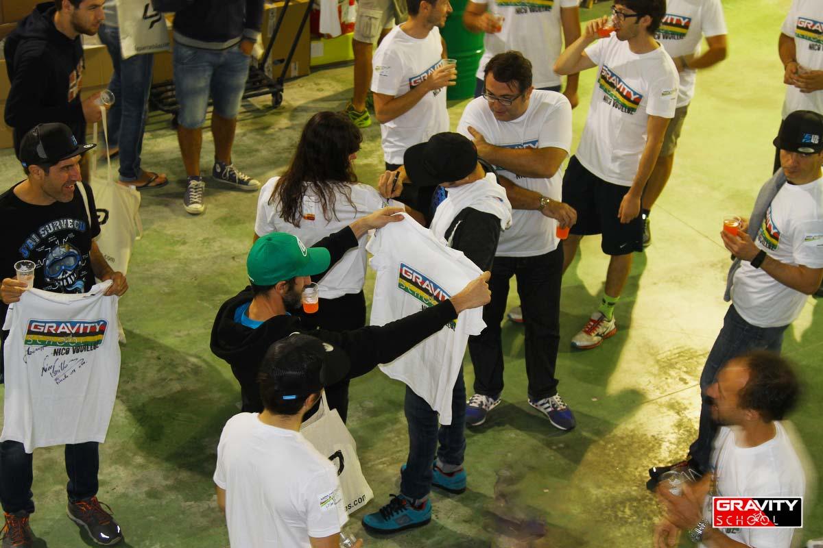 Lapierre Surprise Party: Magliette Gravity School World Champion per tutti!