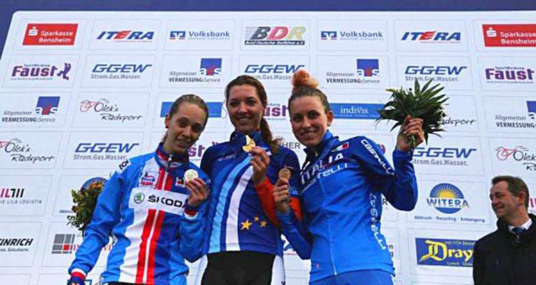 8112014_142421_podio-femminile