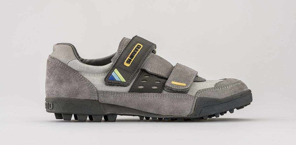 La prima scarpa Shimano SPD M100 del 1990