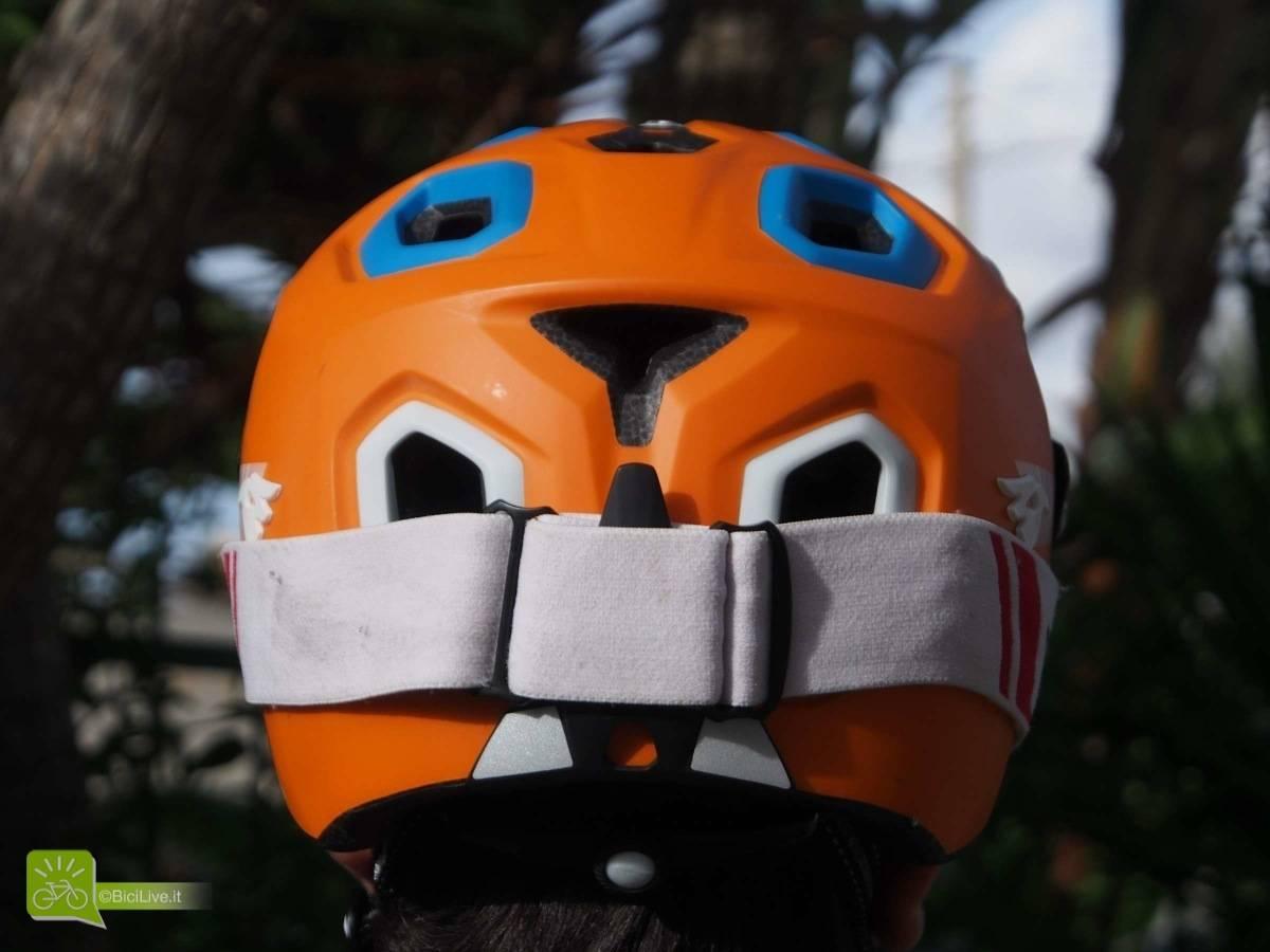 Il passante posteriore per i goggle
