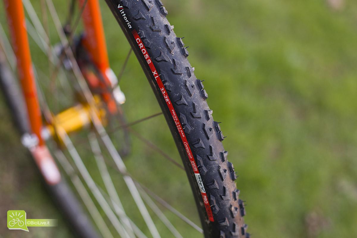 I tubolari Vittoria Cross XL fanno parte della PRO Series. Studiati sul terreno dei Campionati del Mondo di Ciclocross. // Foto: Elena Martinello