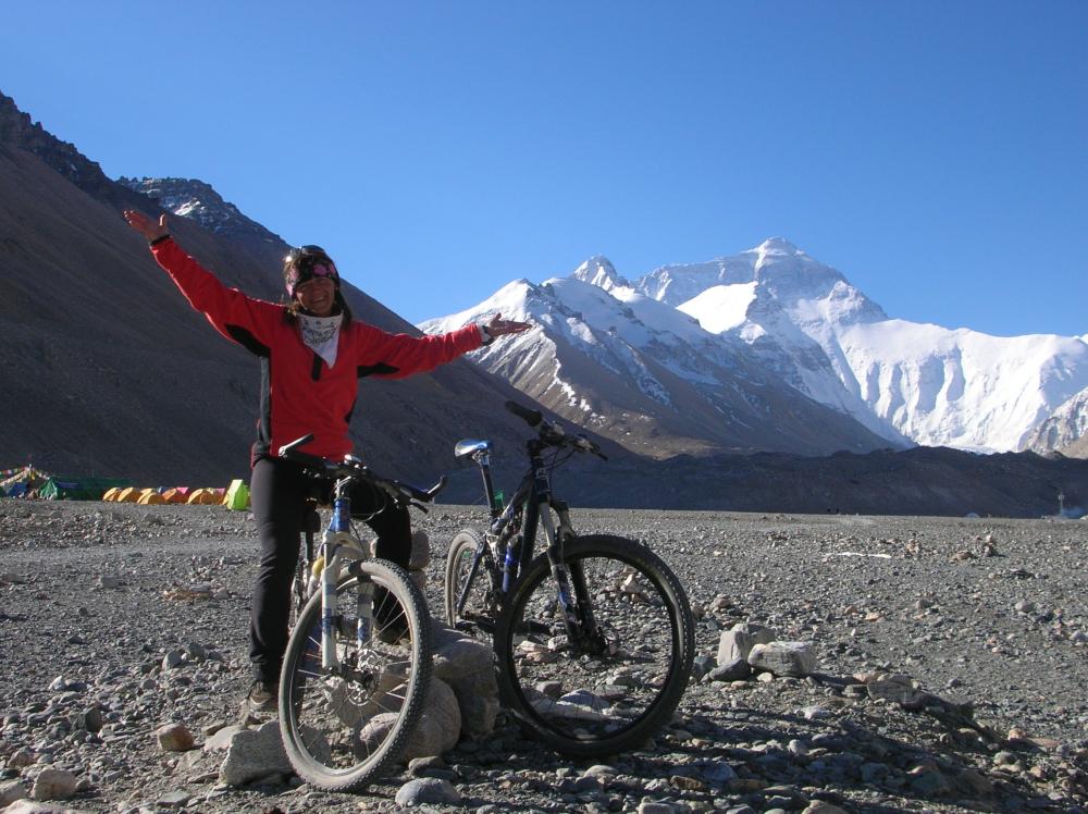 Stefania a 5600 m s.l.m. al Campo Base dell'Everest
