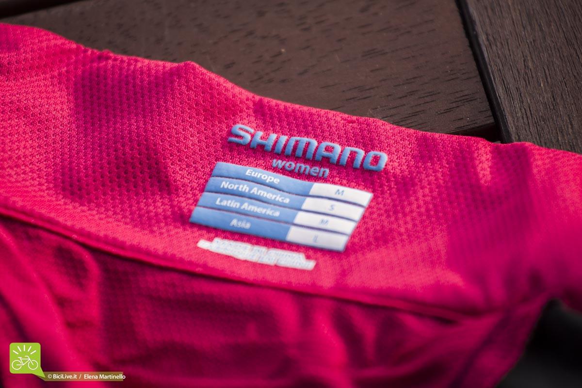 Test giacca antivento bici Shimano Ibrida donna