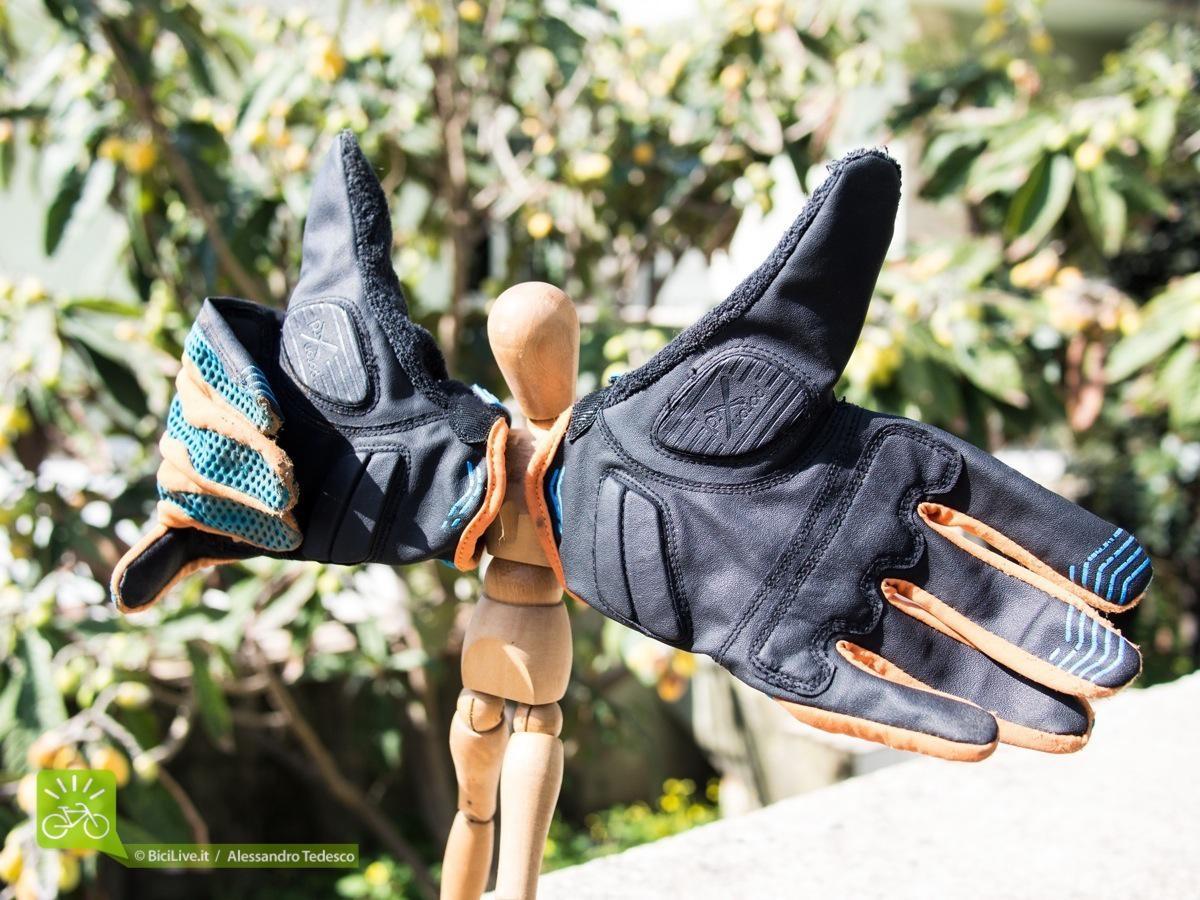 Il palmo in Poron XRD, protezioni azzeccatissime