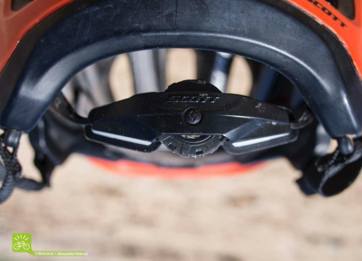 La rotellina dell'MSRA si può manovrare semplicemente anche guidando e con i guanti
