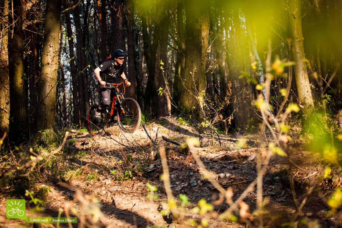 http://mountainbike.bicilive.it/files/2015/05/test_Scott_genius_700_LT_tuned_2015_4.jpg