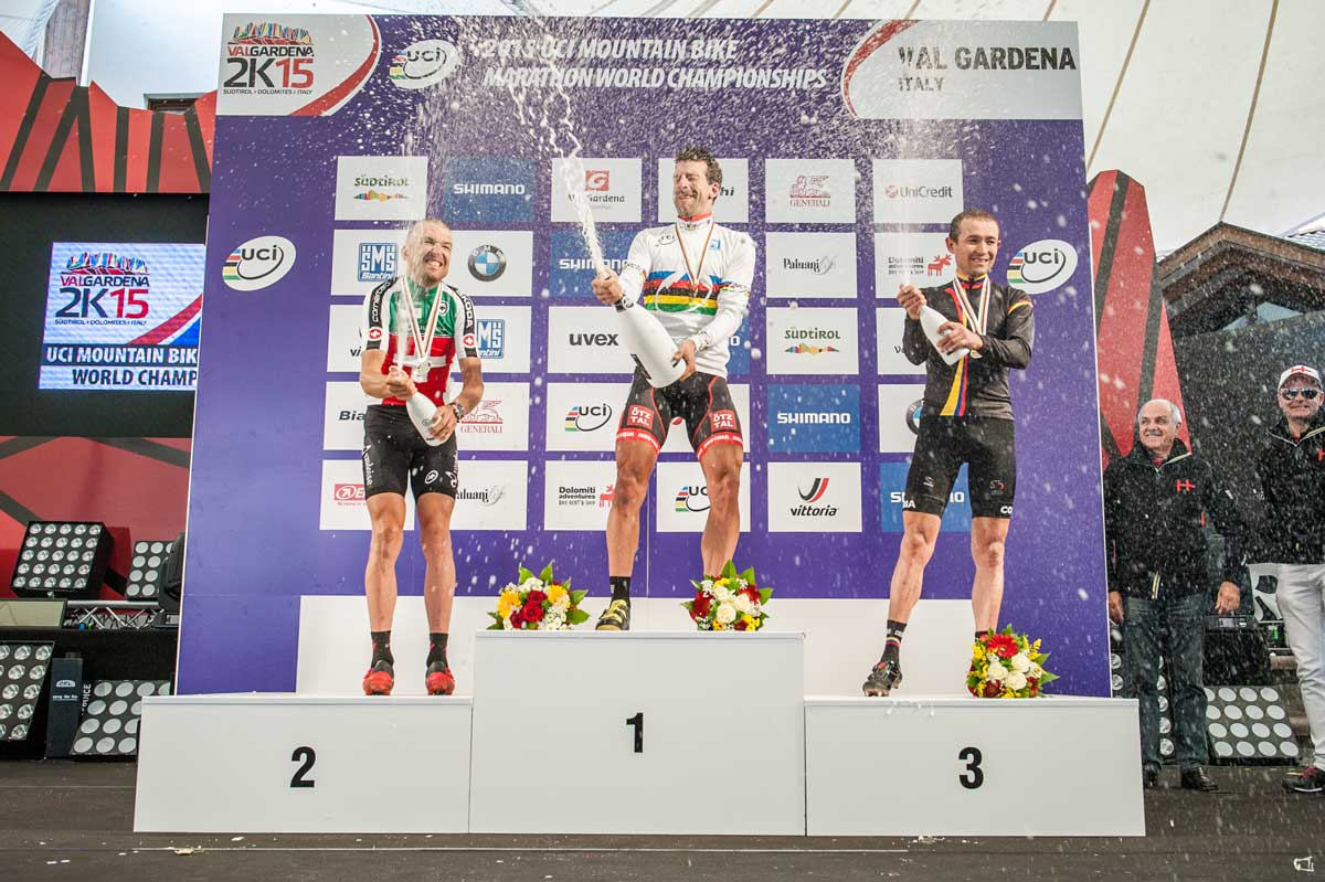 15_UCI-WCS_Award_Podium-Men_Lakata_Sauser_Paez-Leon_2.jpg