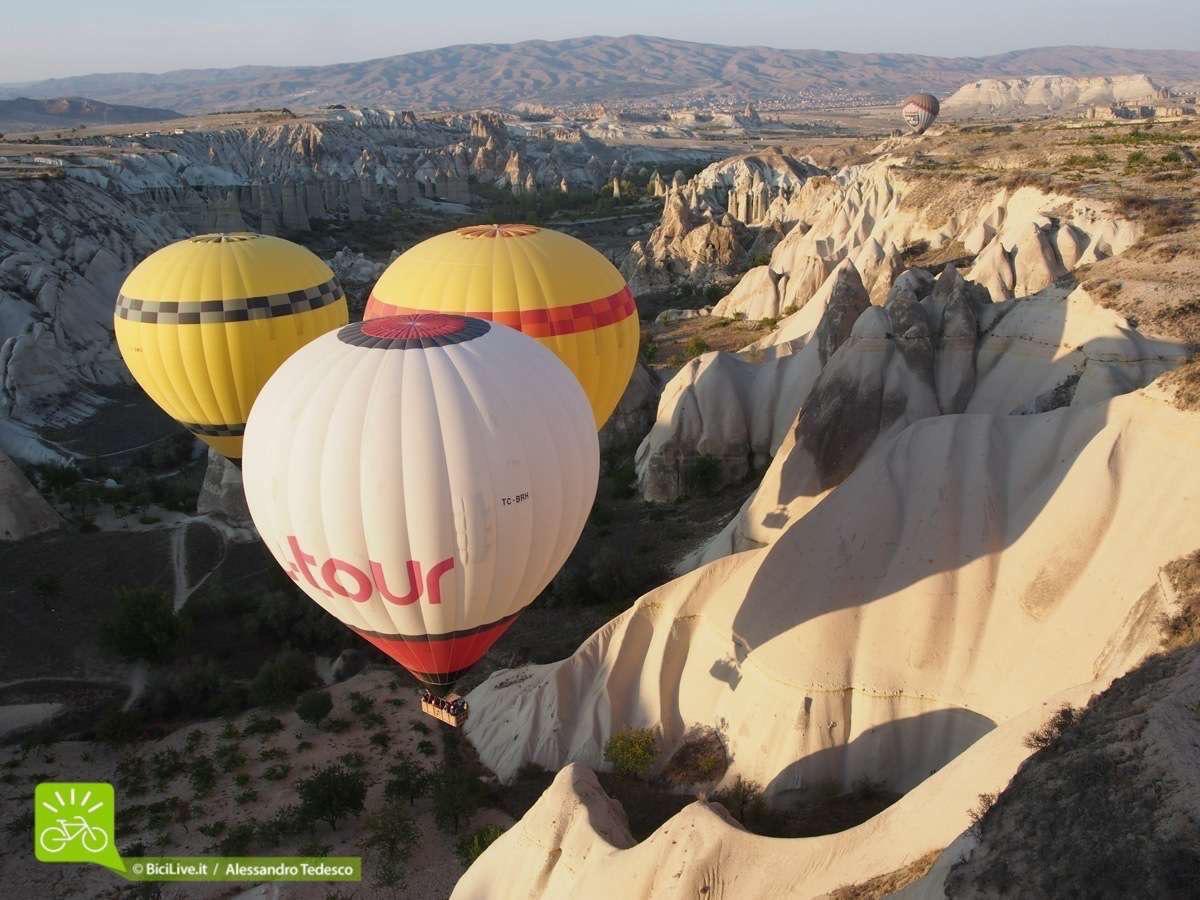 Le mongolfiere nella Love Valley è stato un momento troppo emozionante del Coast2Coast mtb tour