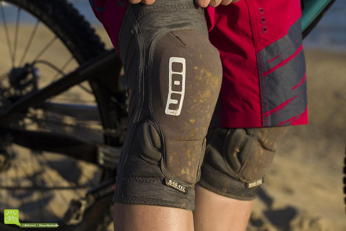 Le ginocchiere ION K_Lite 2015 sono studiate per l'all mountain e permettono libertà nei movimenti