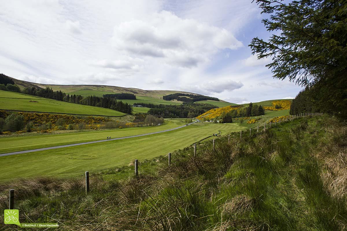 Paesaggi mozzafiato su cui si affacciano le prove speciali dell'Enduro World Series in Scozia.