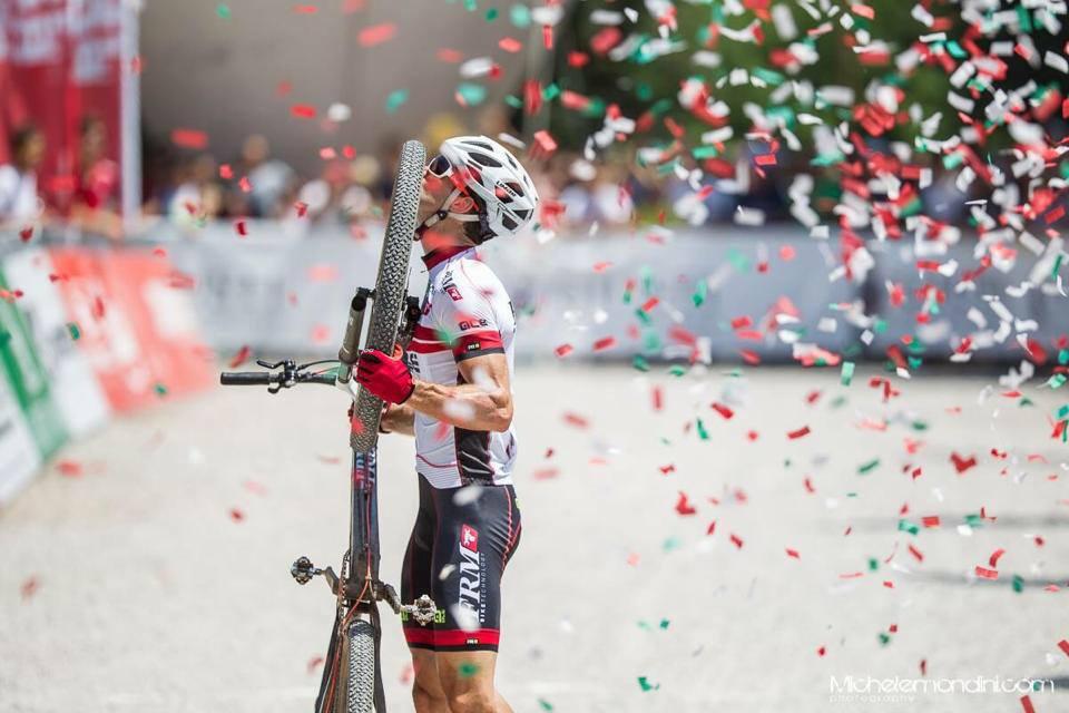 Dopo mesi di sacrifici e duri allenamenti, Andrea Tiberi vince una meritata maglia di campione italiano XCO.