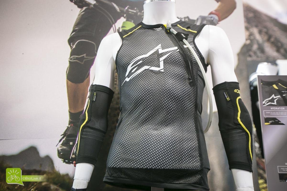 Eurobike_alpinestars_protezioni_paragon_vest_mtb_2016_4.jpg