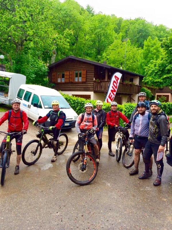 Niente ferma i ragazzi del Bike Club Zero Zero, nemmeno la pioggia e il freddo.