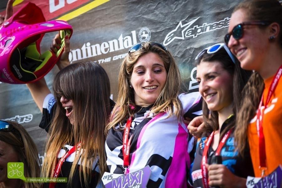 Tra le donne vince la francese Emilie Serre.