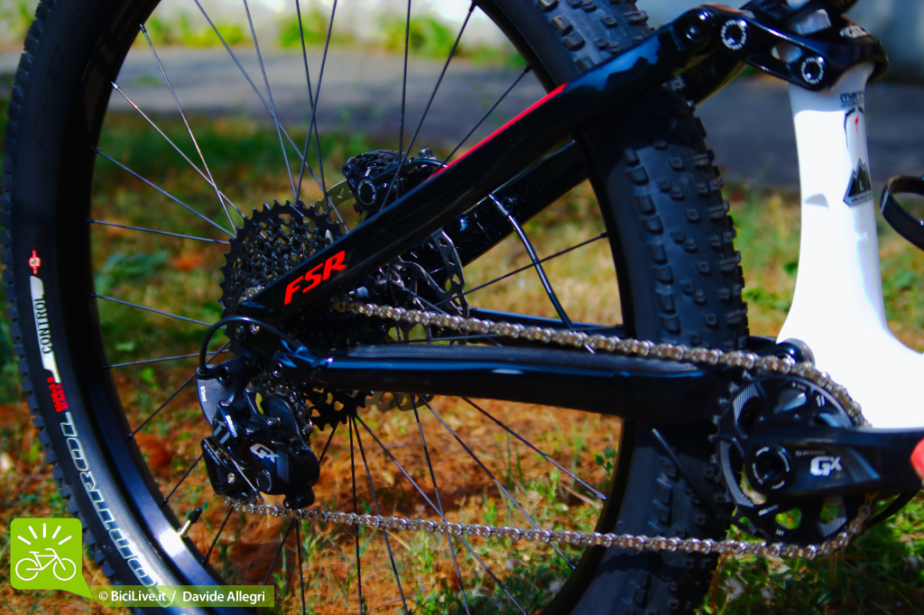 Specialized_stumpjumper_Fsr_6fattie_2016a.jpg