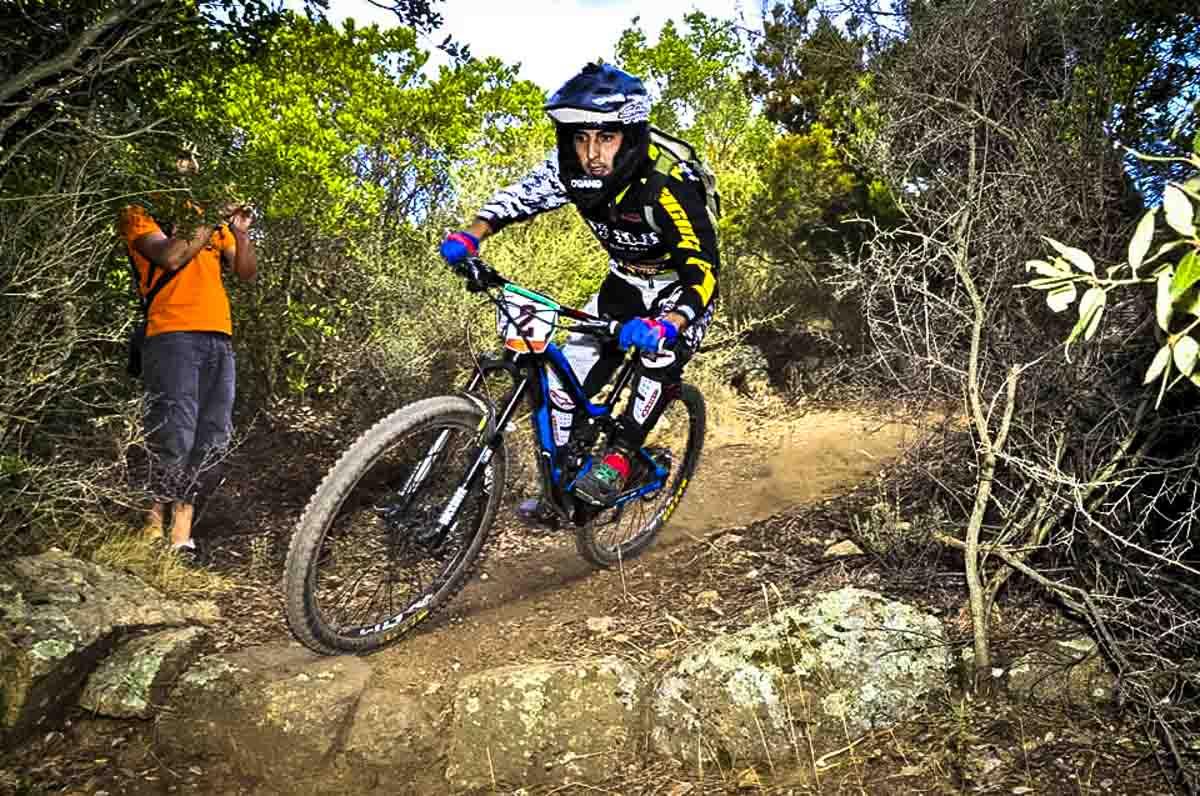 Un imbattibile Francesco Boi, rider di Sinnai (CA) che ha preso parte anche a diverse gare downhill nazionali