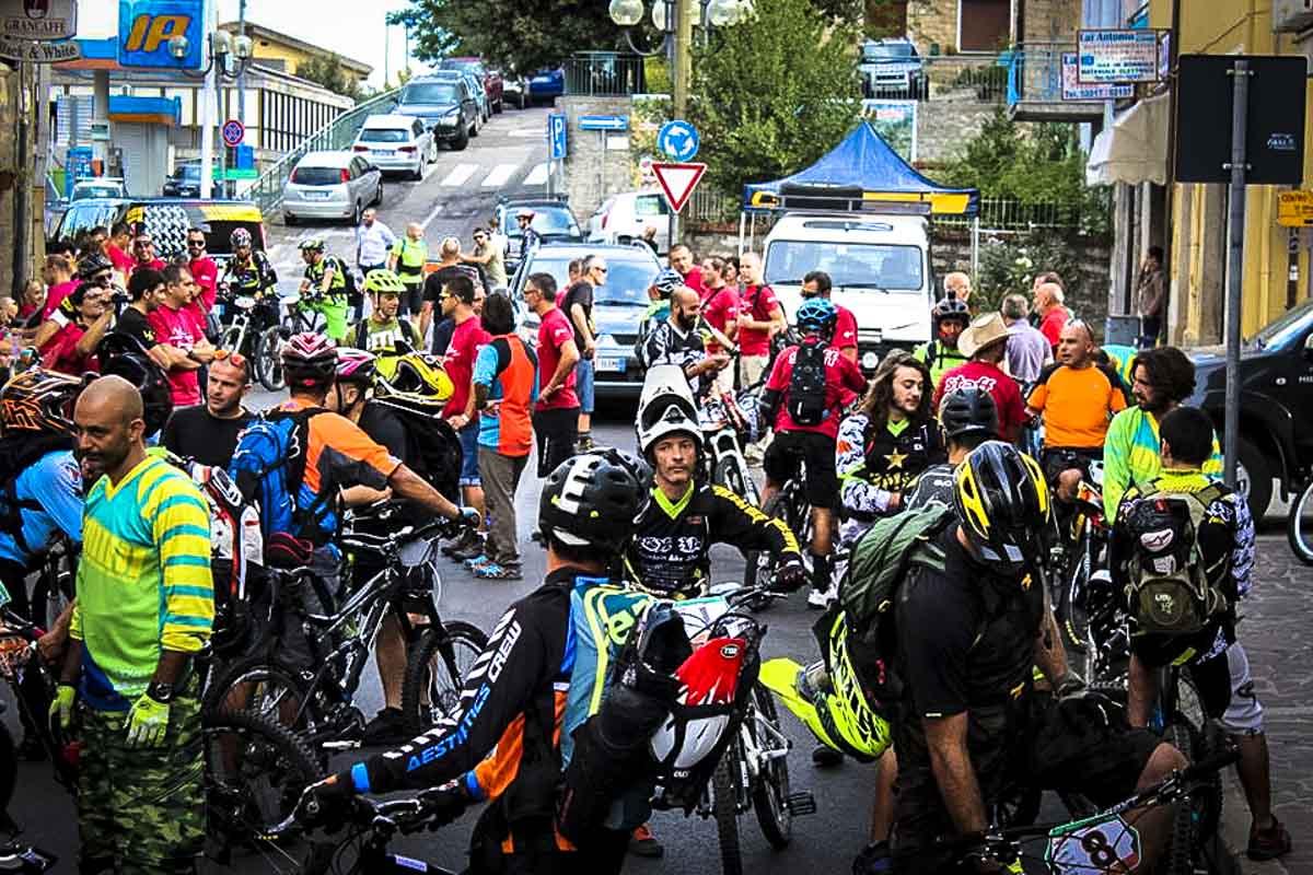 Il paese di Gavoi ha giovato della presenza dei biker per diversi weekend, un fatto importante su cui riflettere