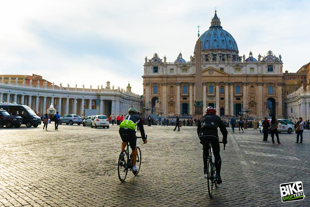 Roma a pedali ha sempre un certo fascino