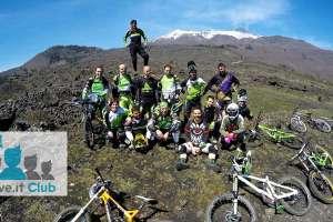 foto di gruppo club mtb Valceresio bike