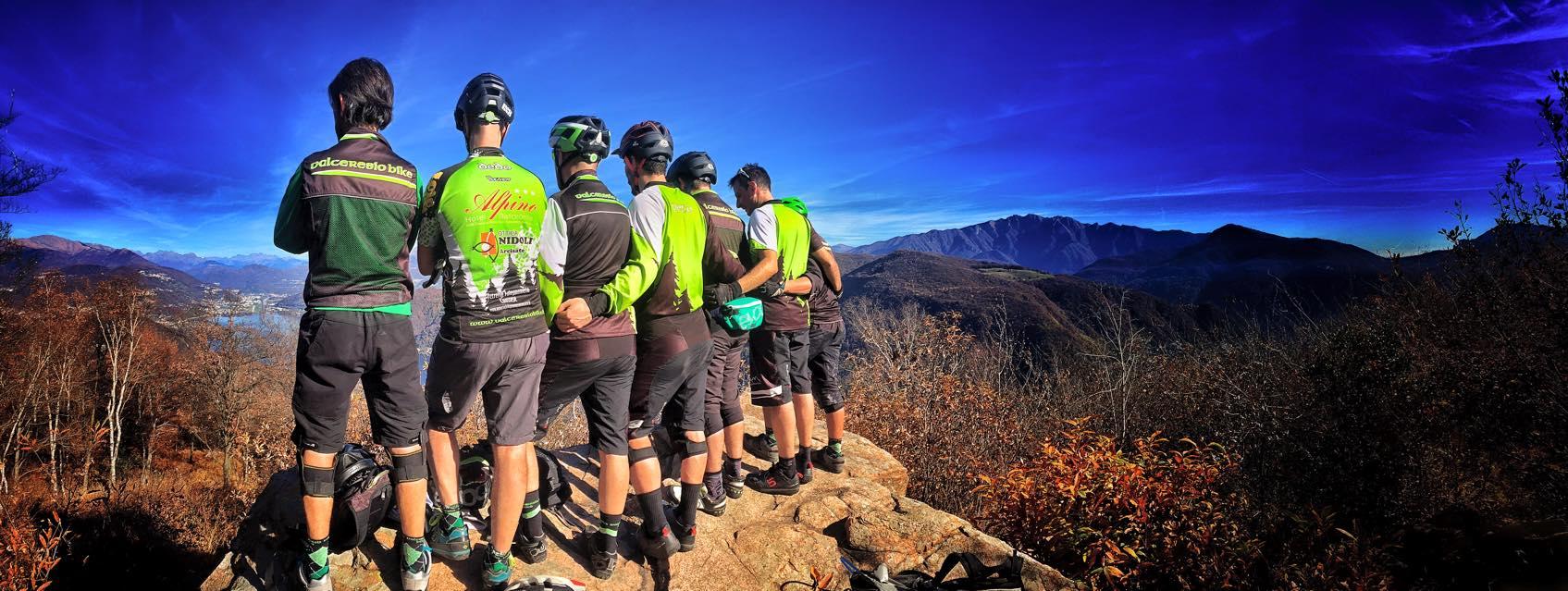 foto panoramica con il club mtb Valceresio bike