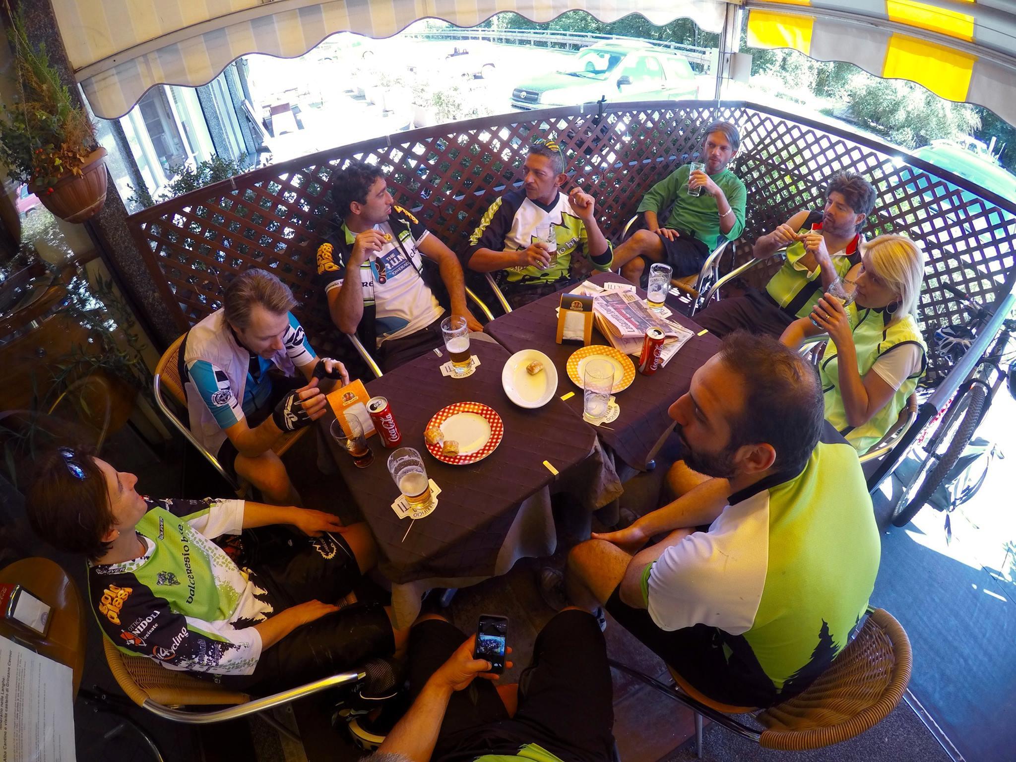 Non solo bici ma anche  tanti momenti passati attorno alla tavola... Dopo una bella pedalata però!