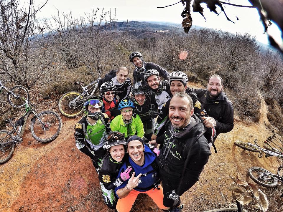 Il Valceresio bike è un gruppo molto affiatato e lo si vede dalle loro immagini online.
