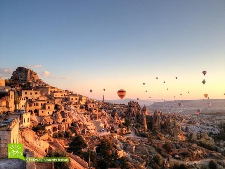 Cicloturismo-Sicilia-Tour-coast2coast-cappadocia-2.jpg