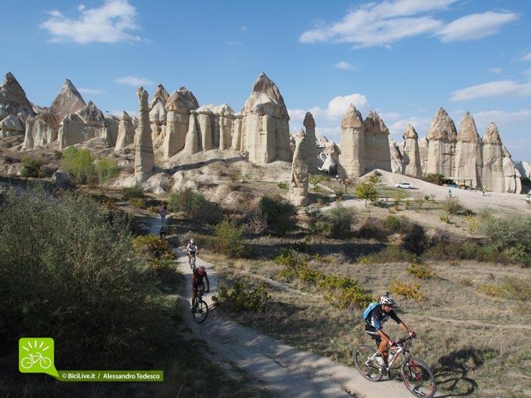 Cicloturismo-Sicilia-Tour-coast2coast-cappadocia-5.jpg