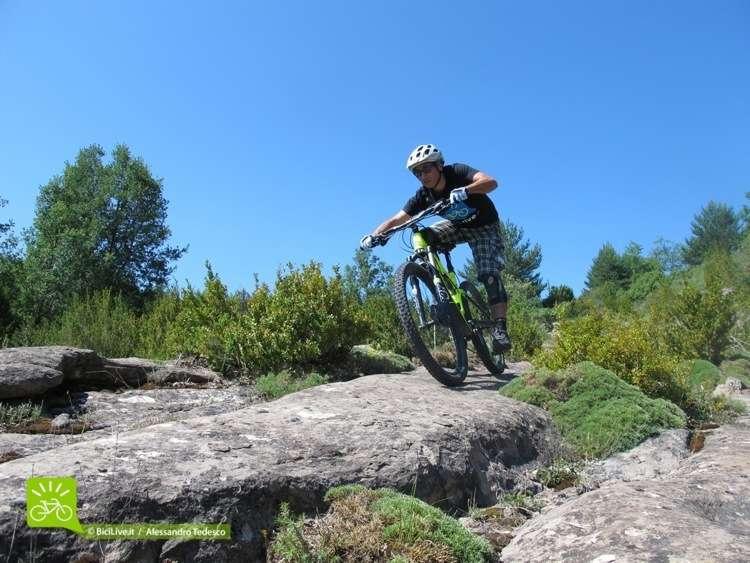 Coast2Coast Enduro sui sentieri dei Bassi Pirenei