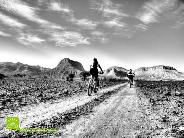 In Marocco come in Arizona, ma scollinato lo Jebel c'è il deserto del Sahara. Questo è il C2C Marocco Epic XC.