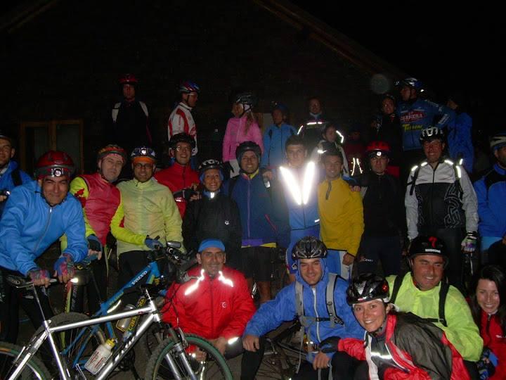 Il club mtb Siracusa organizza vari tipi di attività tra cui le pedalate in notturna aperte a soci e non.