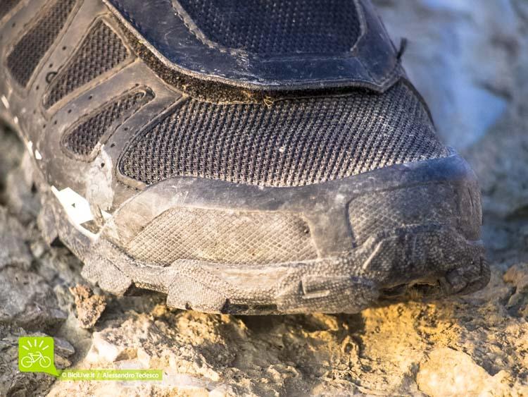 La Ergo Lite Toe Cap, l'inserto in plastica doppia densità a protezione delle dita.