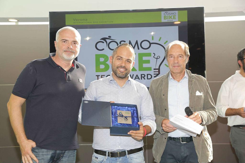 Il Club mtb Ciclone ASD ha vinto il premio a Cosmo Bike 2015 come associazione bike friendly