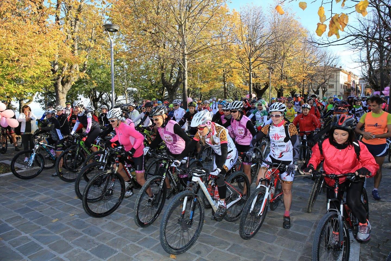 Ben 55 le donne in bicicletta partecipanti alla Rampirosa 2015