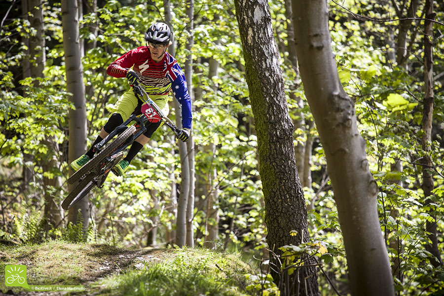 Troy Brosnan a Tweedlove 2015 durante l'Enduro World Series