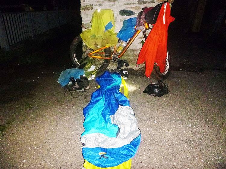 foto dell'attrezzatura ustat per la notte da maurizio