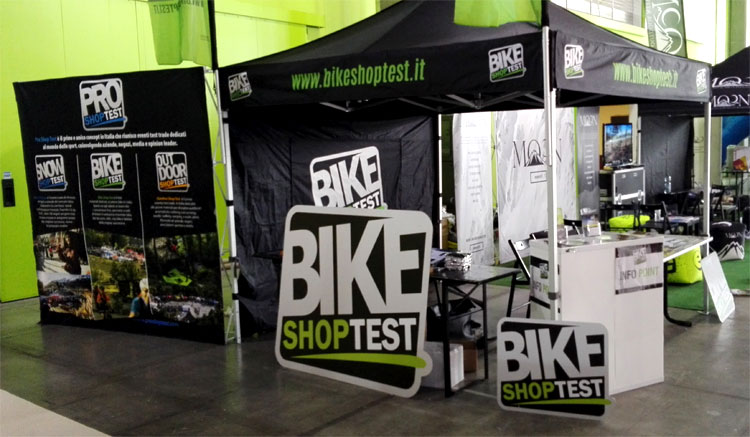 Lo stand Promountain Bike Shop Test all'interno della fiera Prowinter 2016 di Bolzano