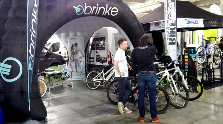 Lo stand Brinke con le ebike al Promountain Bike Shop test 2016