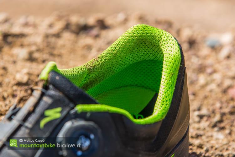 foto del particolare del tallone delle scarpe specialized 2fo cliplite