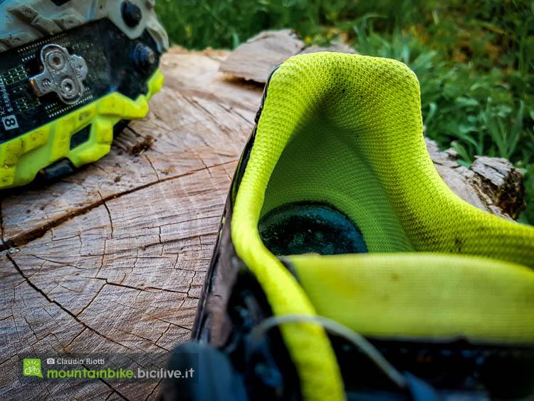 foto del dettaglio sul tallone della scarpa mtb scott team boa