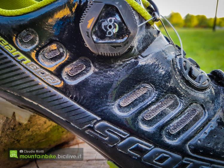 foto delle prese d'aria della scarpa scott team boa mtb