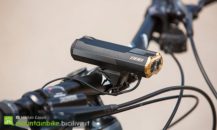 Faretti led per mtb migliori luci bici per pedalare e viaggiare